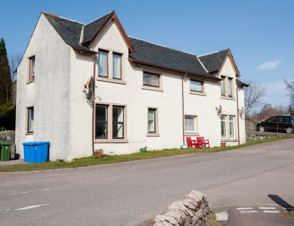 Torlundy Farmhouse, Self-catering in Fort William overlooking Ben Nevis